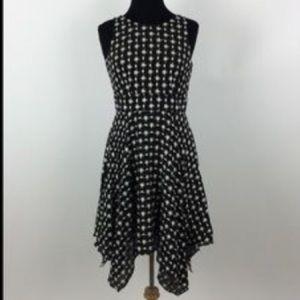 Tahari ⭐️ Embroidered black & white dress🍌size 16